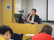 "London College of Communication's MA Guest Talk by Dr. Kiu-wai Chu: ""Formulating Research Questions and Choice of Methodology of Qualitative Research in the Media Context"""